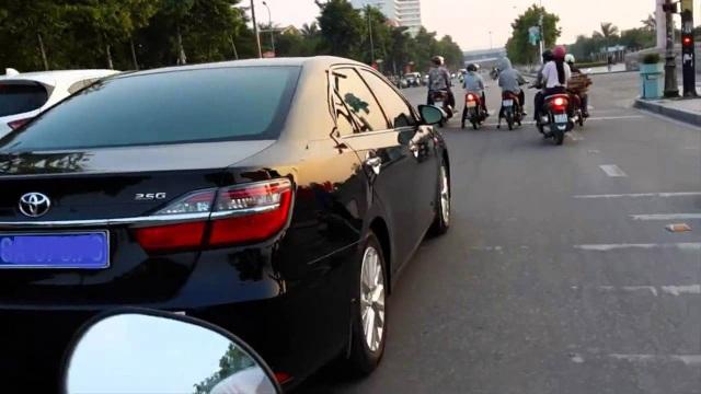 Các đại sứ, Tổng lãnh sự được quy định mức tiêu dùng xe hơi tại nước ngoài.