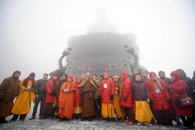 Chư tôn đức Hòa thượng dự khánh thành Đại tượng Phật A Di Đà