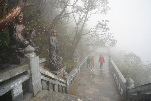 Con đường La Hán - Khu văn hóa tâm linh Fansipan