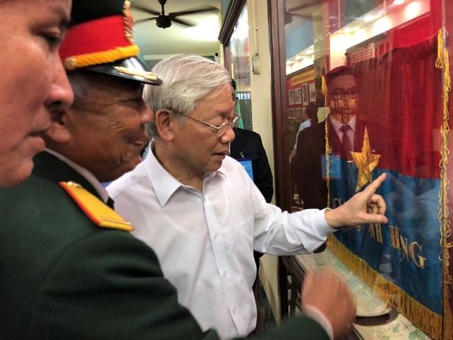 Tổng Bí thư Nguyễn Phú Trọng đi thăm kiến trúc ngôi nhà, căn hầm vũ khí bí mật từ 50 năm trước