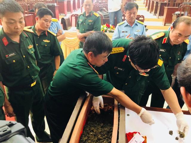 Bộ Quốc phòng giám định hài cốt hai phi công hy sinh ở Tam Đảo - 2