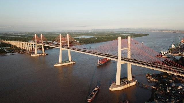 Cầu Bạch Đằng và tuyến cao tốc Hạ Long - Vân Đồn đã thông xe đầu tháng 9/2018