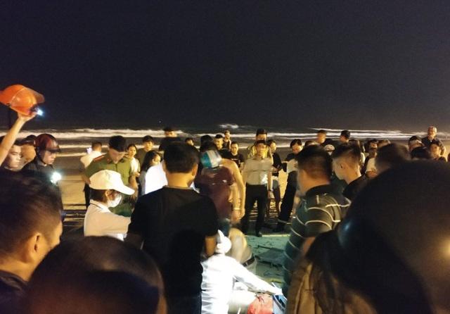 Hai du khách Trung Quốc bị đuối nước.