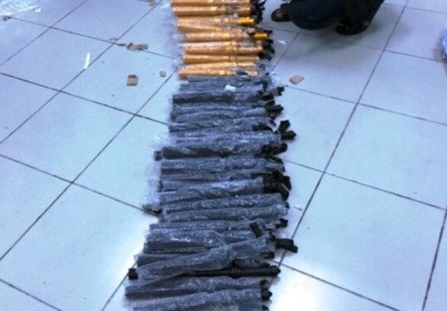 Số dùi cui bị thu giữ tại Cảng hàng không quốc tế Đà Nẵng (Ảnh; Khánh Hồng).