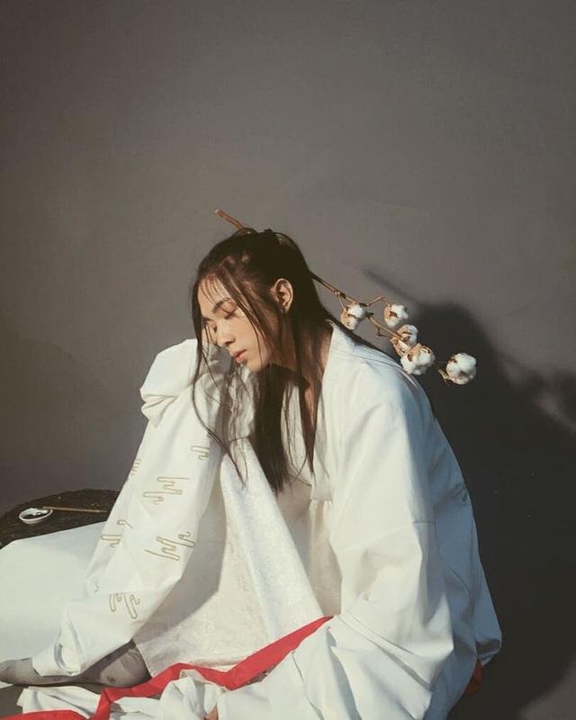 Ngỡ ngàng chàng trai Sài Gòn có tóc dài xinh như thiếu nữ - 8
