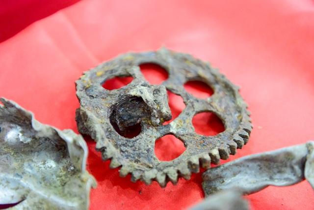 Sau gần 50 năm, các mảnh kim loại đã rỉ sét nhưng vẫn dễ dàng xác định được hình dạng...