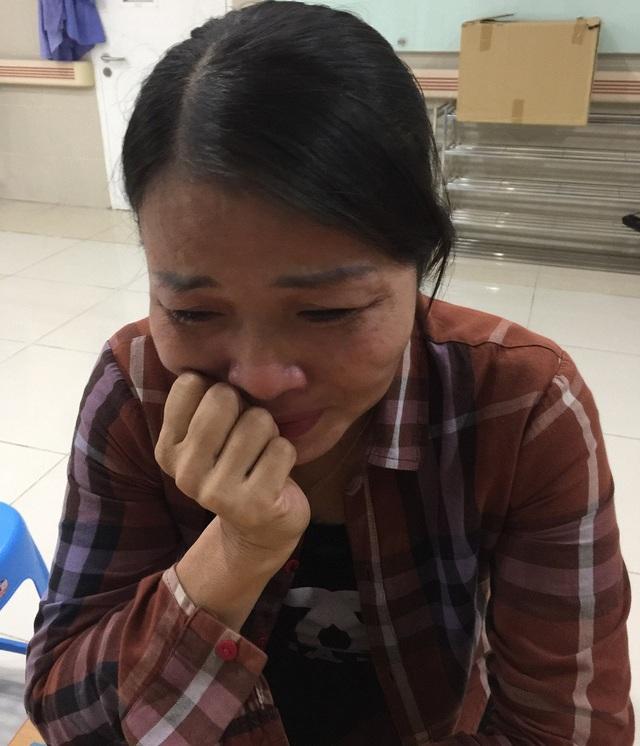 Mẹ của Việt vừa trải qua nỗi đau mất chồng, giờ con lại đang trong tay Tử thần.