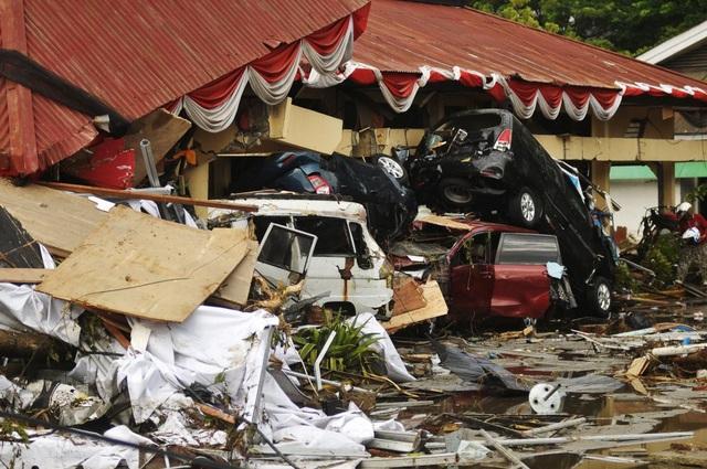 Thành phố Palu bị tàn phá dữ dội bởi thảm họa tự nhiên (Ảnh: Reuters)