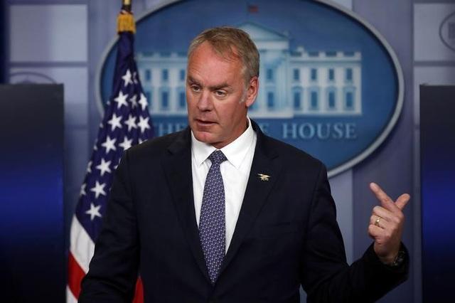 Bộ trưởng Nội vụ Mỹ Ryan Zinke (Ảnh: Reuters)