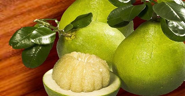Bưởi là loại trái cây quen thuộc ở nước ta.