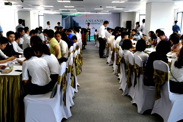 Sôi động giao dịch dịp cuối tuần tại Dự án Anland Premium - 1