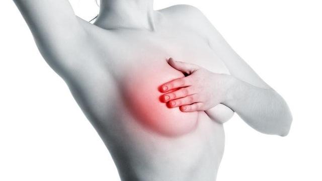Đau ngực là triệu chứng cảnh báo bệnh ung thư vú