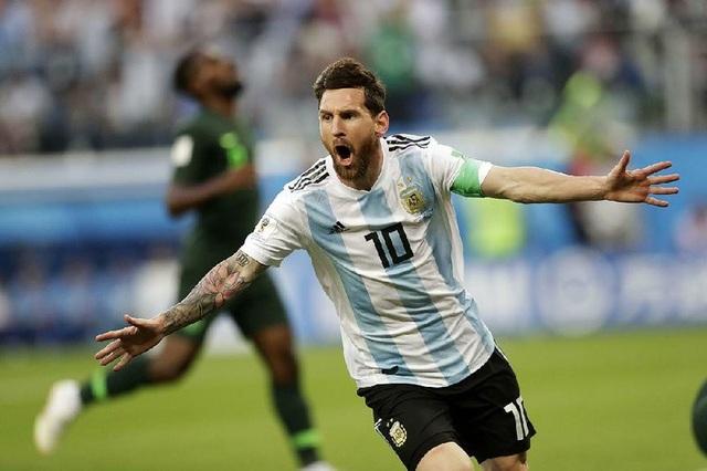 Maradona khuyên Messi không nên trở lại ĐTQG