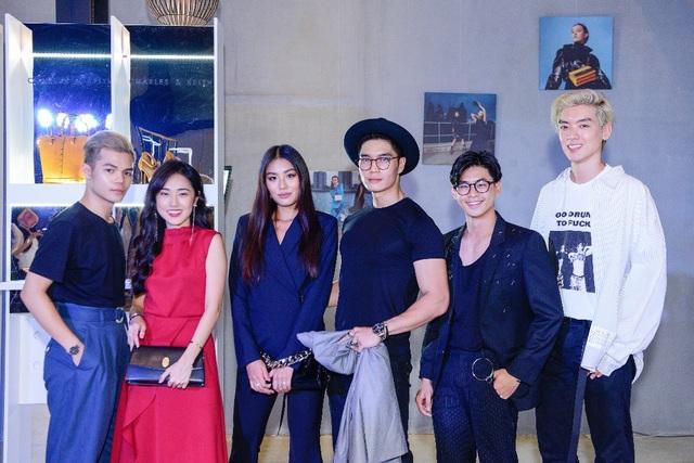 """Cô nàng Rich Kids Việt Nam Thảo Nhi Lê và bạn trai """"soái ca"""" Huy Trần cùng những người bạn của mình."""
