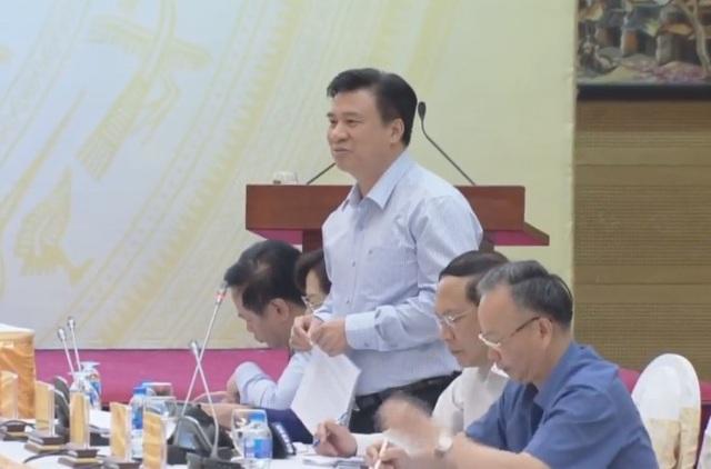 Thứ trưởng Bộ GD-ĐT Nguyễn Hữu Độ trả lời câu hỏi đặt ra về nghi vấn độc quyền in ấn sách giáo khoa