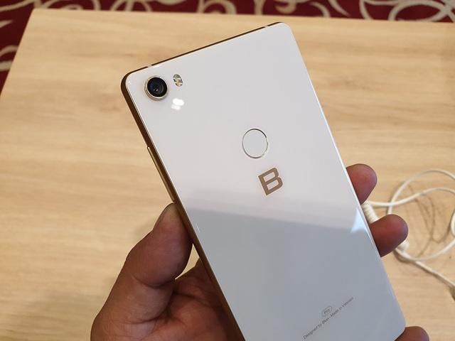 """Điểm tin công nghệ: iPhone XS Max """"chạm sàn"""", điện thoại gập thực tế là máy tính bảng - 1"""