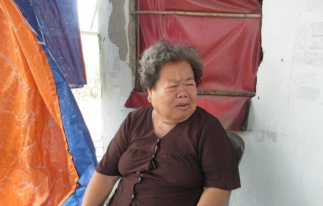 Bà Huê kể lại việc mất hết tài sản khi cho người lạ vào nhà thoa dầu