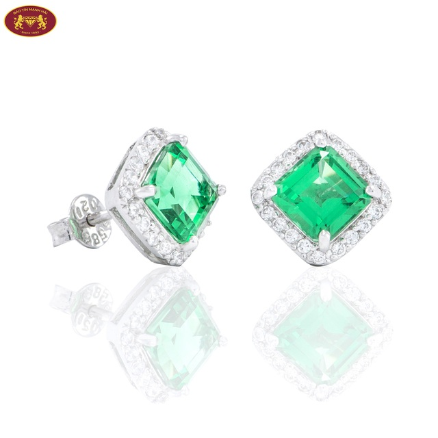 Sản phẩm bông tai gắn đá Emerald