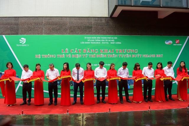 Hà Nội khai trương hệ thống vé điện tử trên tuyến buýt nhanh BRT sáng 10/10
