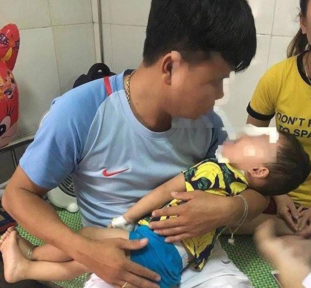 Cháu .H.Y (31 tháng tuổi, trú tại xã Nam Sơn, huyện Đô Lương, Nghệ An) được đưa đến bệnh viện trong tình trạng vùng mặt cháu bị nhiều vết thương hở, chảy máu nhiều