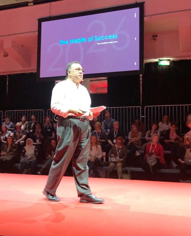 Tiến sỹ Pramath Raj Sinha tại sự kiện giáo dục Dare to learn 2018 tổ chức tại Phần Lan