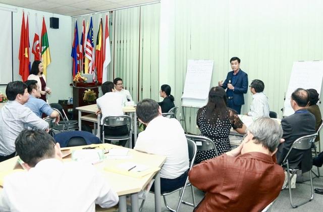 Cán bộ quản lý giáo dục ĐH tại ba nước Việt Nam, Lào và Campuchia tập huấn khả năng lãnh đạo
