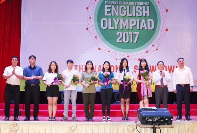 Các thí sinh giành giải cao tại cuộc thi tiếng Anh không chuyên toàn quốc năm 2017