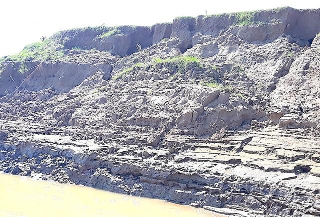 Sạt lở bờ sông Lam, mất đất sản xuất, người dân kêu cứu! - 9