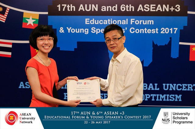 Trâm Anh tham gia Diễn đàn Giáo dục và cuộc thi nhà hùng biện trẻ ASEAN + 3 năm 2017 tại Singapore