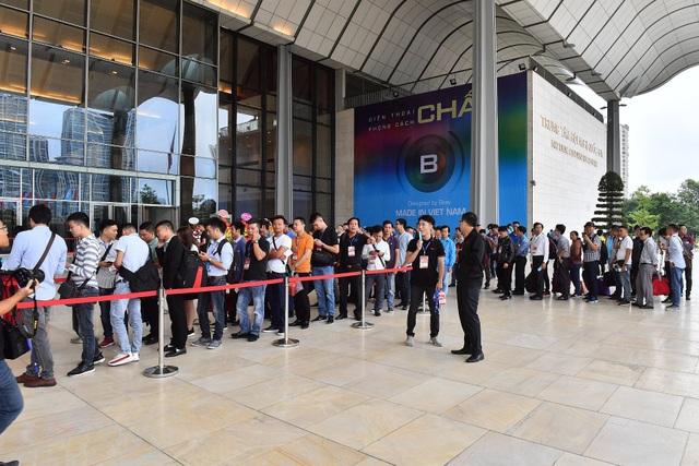 Bphone 3 có thiết kế tràn đáy, camera ấn tượng, giá từ 6,9 triệu đồng - 3