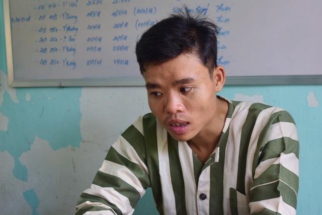 Đối tượng Trần Duy Tùng khi đang đột nhập vào nhà người dân thứ 3 trong cùng 1 đêm thì bị chủ nhà phát hiện bắt giữ