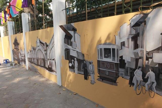 Một góc chợ Đồng Xuân, ga tàu điện những hình ảnh gợi nhớ ký ức về Hà Nội xưa