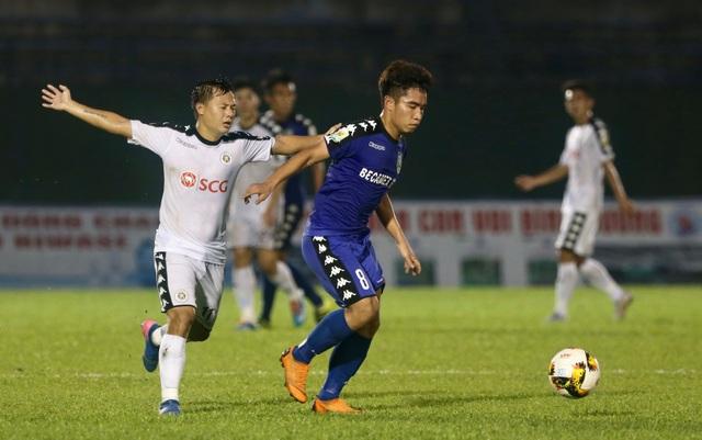Trận bán kết lượt về giữa B.Bình Dương và CLB Hà Nội diễn ra rất kịch tính