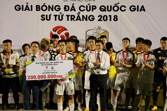 Một lần nữa đội bóng thủ đô lỗi hẹn với chiếc cúp quốc gia, họ chỉ nhận hạng ba ở giải năm nay