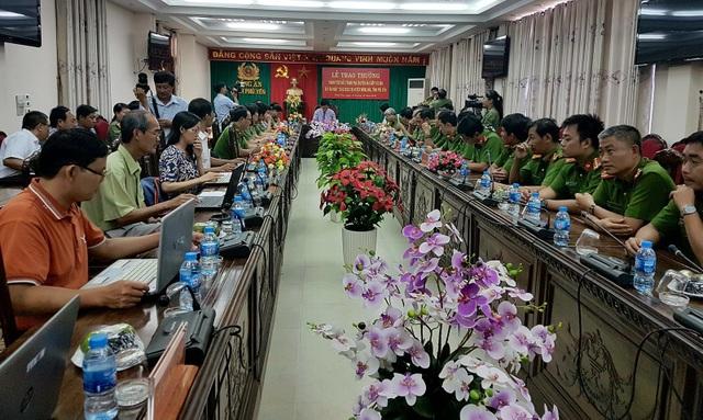 Họp báo thông tin về vụ cướp hàng chục cây vàng ở Phú Yên