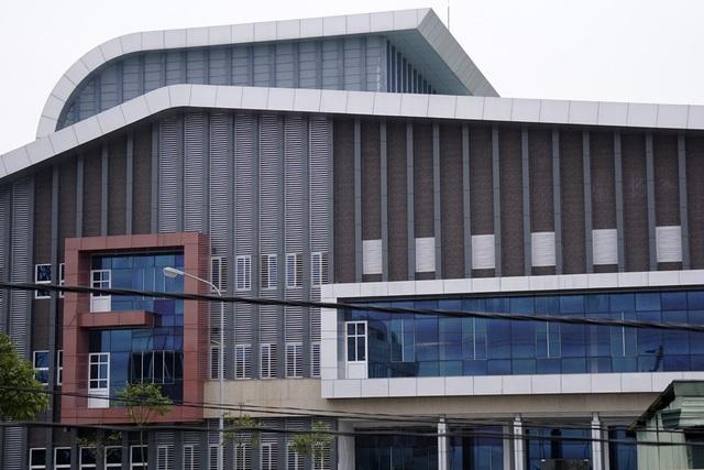 Nhà hát trăm tỷ với thiết kế hiện đại (Ảnh: Hữu Nghị)