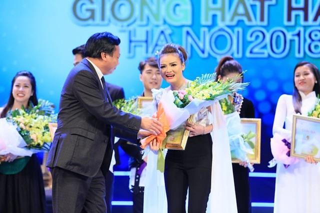 Nguyễn Thùy Liên giành giải Nhất Giọng hát hay Hà Nội - 4