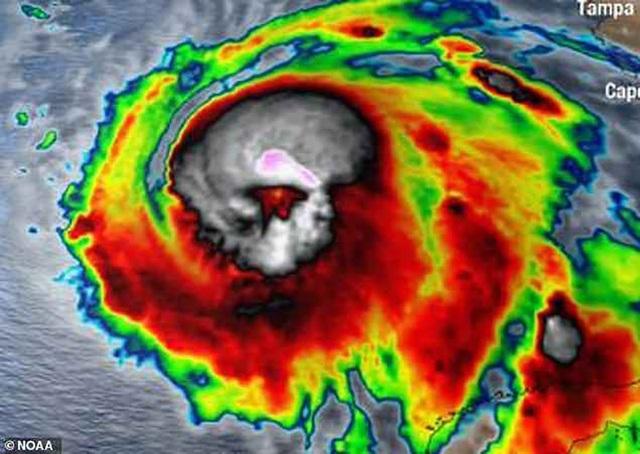 Hình ảnh siêu bão Micheal chụp từ vệ tinh giống hình đầu lâu