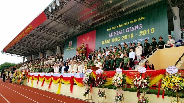 Học viện Cảnh sát nhân dân duyệt binh mừng năm học mới - 1