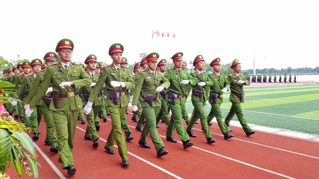 Học viện Cảnh sát nhân dân duyệt binh mừng năm học mới - 5