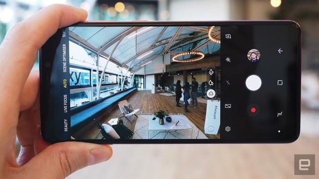 Giao diện chụp ảnh trên Galaxy A9 (2018)