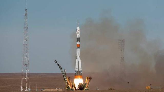 Tàu vũ trụ Soyuz gặp sự cố, 2 phi hành gia Nga-Mỹ hạ cánh khẩn cấp - 1