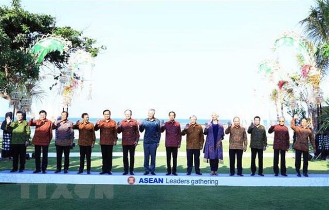Thủ tướng Nguyễn Xuân Phúc và lãnh đạo các nước ASEAN, các tổ chức quốc tế tại Bali, Indonesia (ảnh: TTXVN)