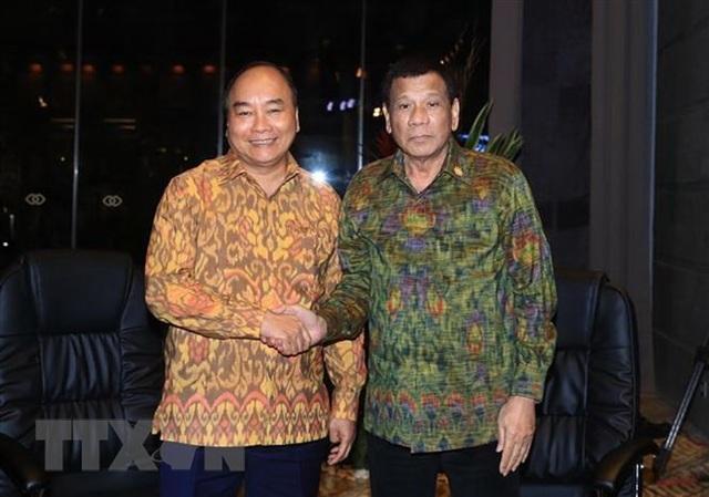 Thủ tướng Nguyễn Xuân Phúc và Tổng thống Philippines Duterte (ảnh: TTXVN)
