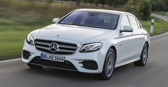 Mercedes-Benz ra hai phiên bản hybrid cho dòng E-Class - 1