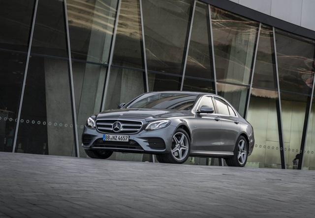 Mercedes-Benz ra hai phiên bản hybrid cho dòng E-Class - 5