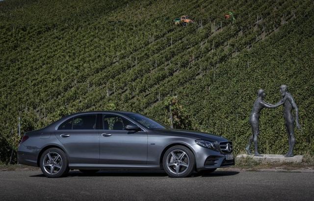 Mercedes-Benz ra hai phiên bản hybrid cho dòng E-Class - 14