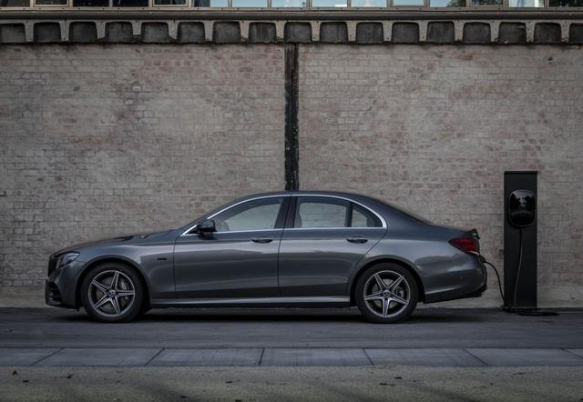 Mercedes-Benz ra hai phiên bản hybrid cho dòng E-Class - 6