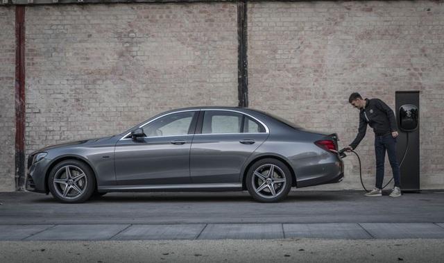 Mercedes-Benz ra hai phiên bản hybrid cho dòng E-Class - 7