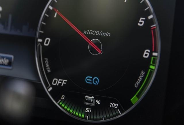 Mercedes-Benz ra hai phiên bản hybrid cho dòng E-Class - 11
